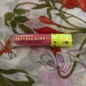 "JSC ""?"" Velour Liquid Lip from 2019 Mystery Boxes"
